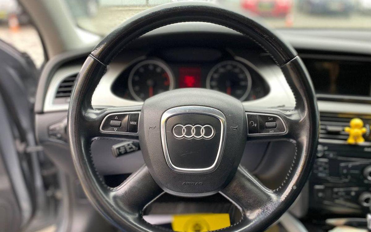 Audi A4 2009 фото №14