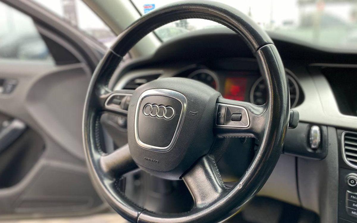Audi A4 2009 фото №15
