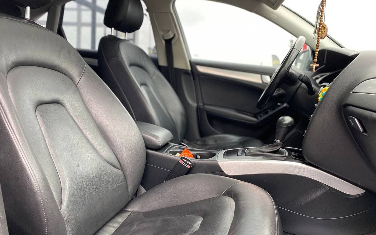 Audi A4 2009 фото №17