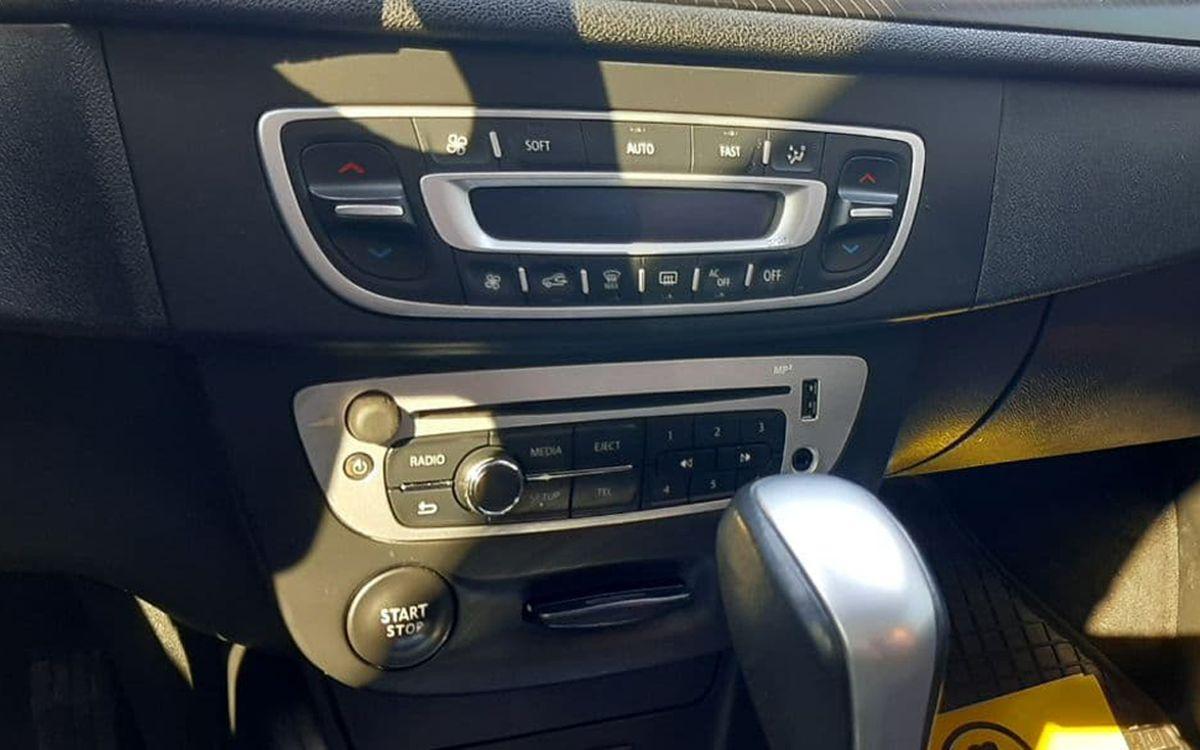 Renault Megane 2012 фото №12