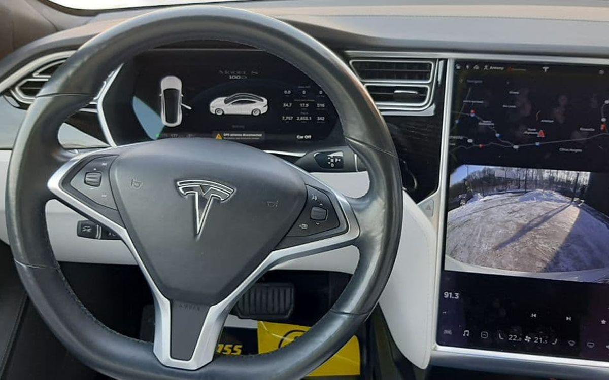 Tesla Model S 2017 фото №17