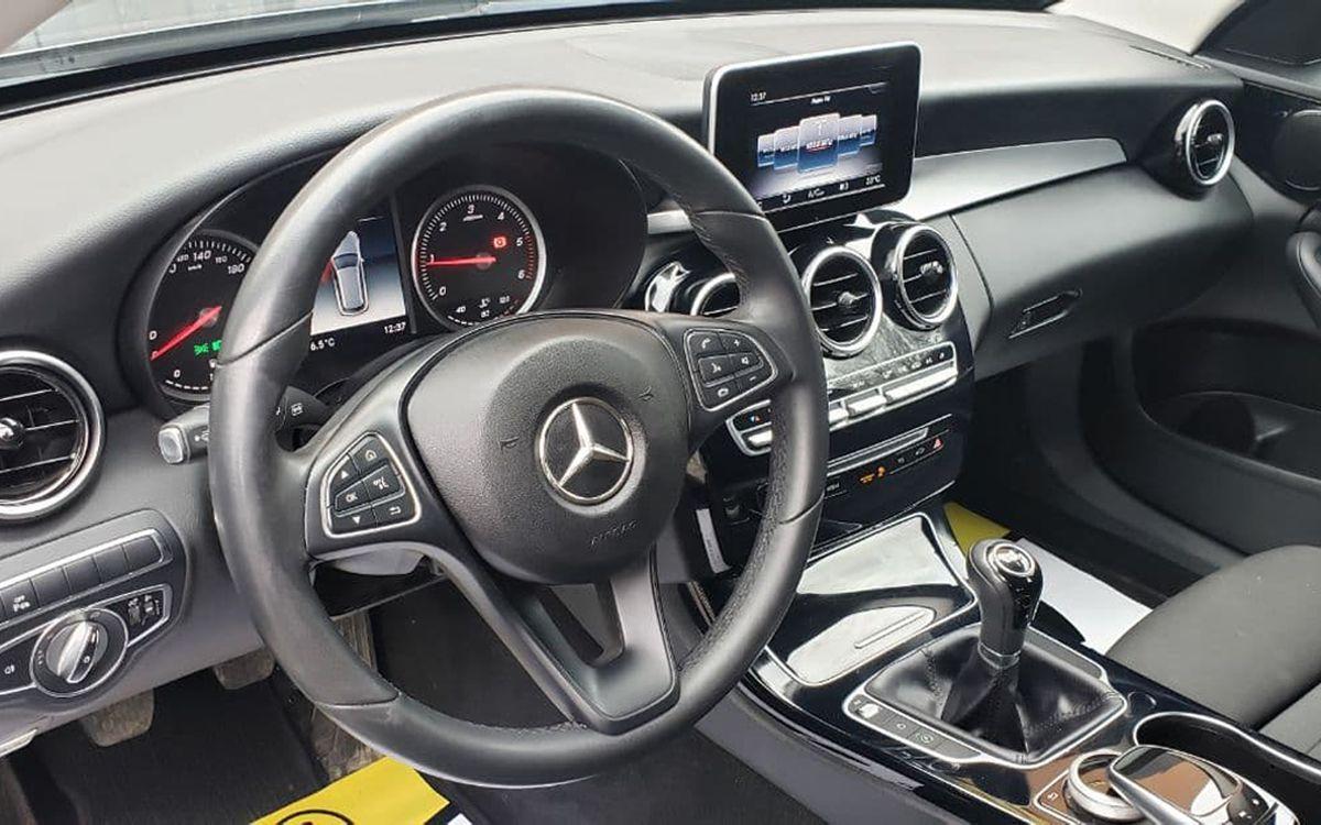 Mercedes-Benz C 200 2018 фото №19