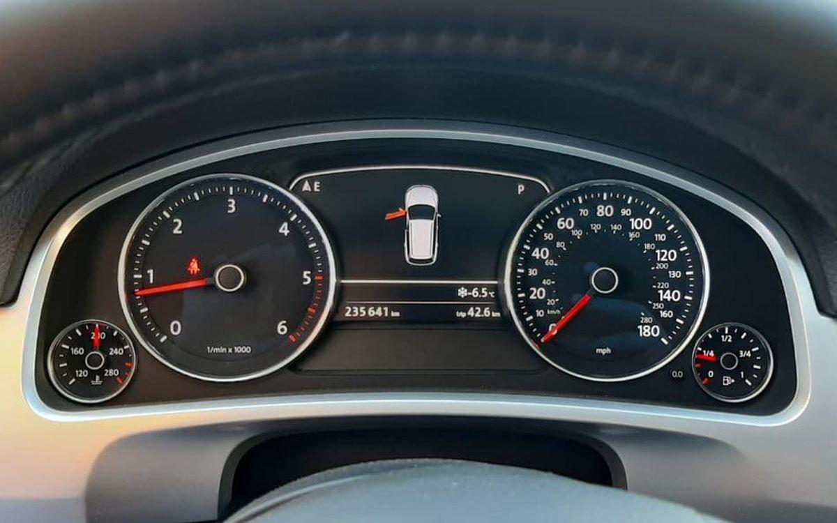 Volkswagen Touareg 2012 фото №19