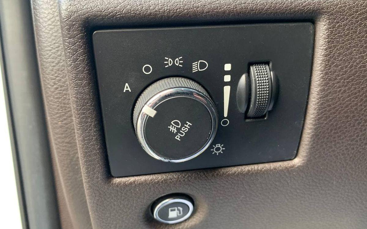 Jeep Grand Cherokee 2013 фото №16