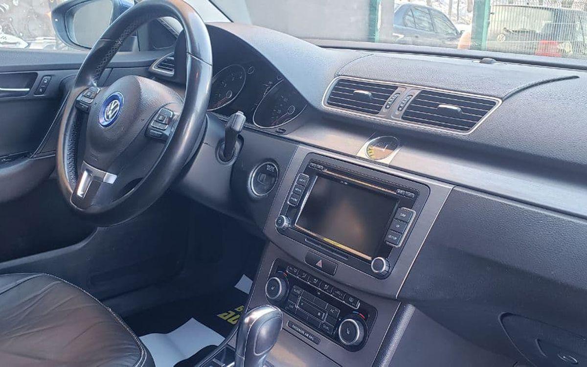 Volkswagen Passat 2011 фото №13