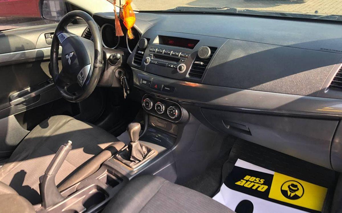 Mitsubishi Lancer 2011 фото №15