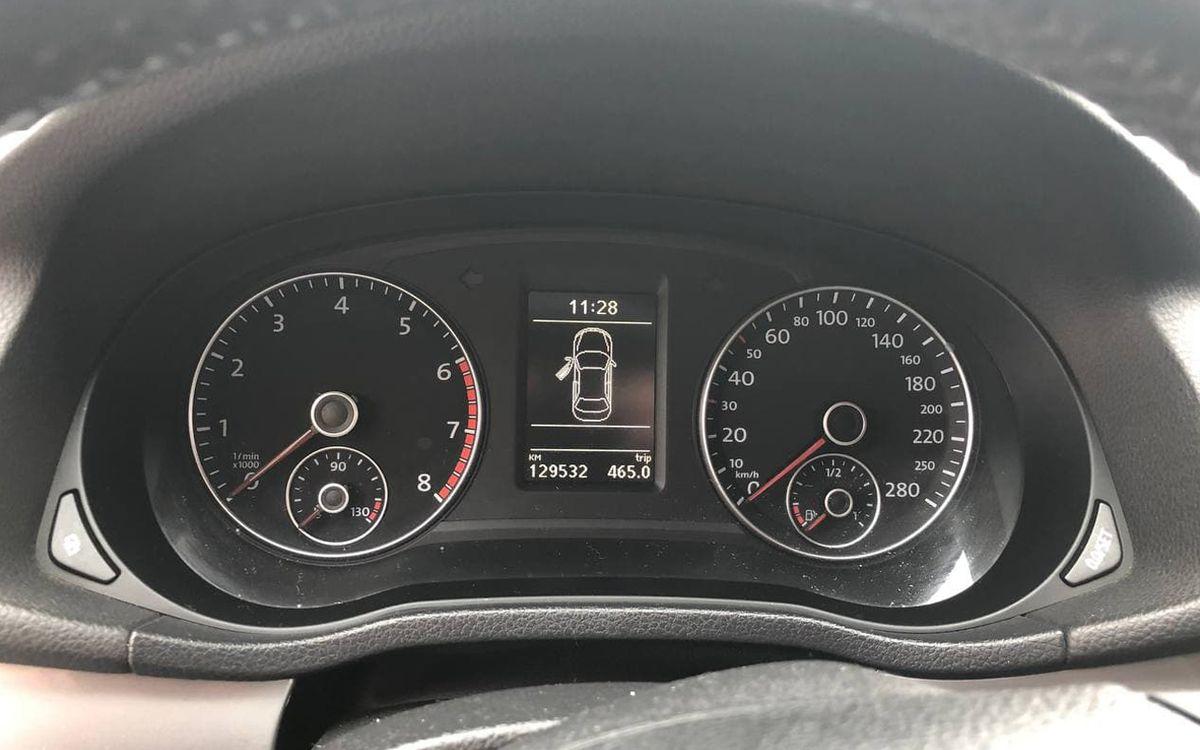 Volkswagen Passat 2011 фото №10