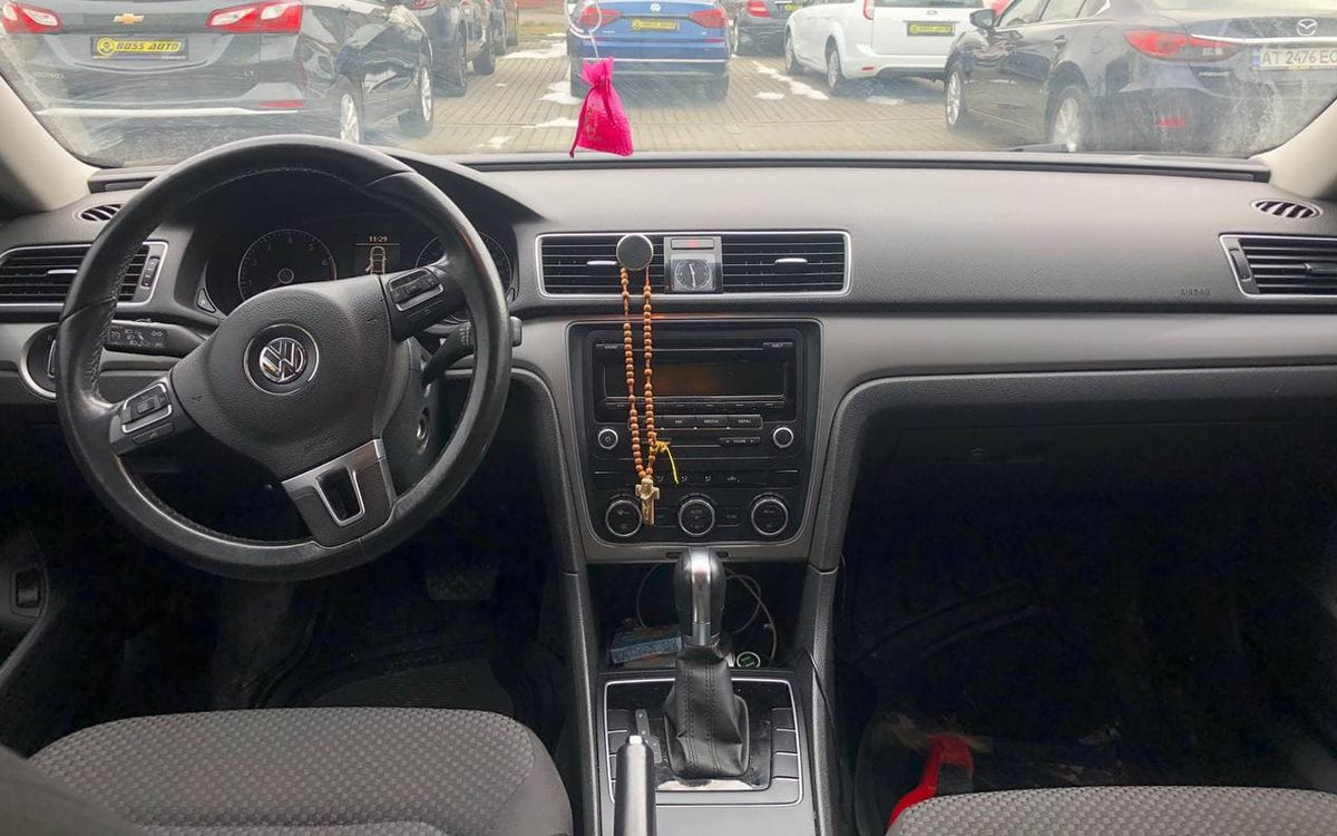 Volkswagen Passat 2011 фото №12