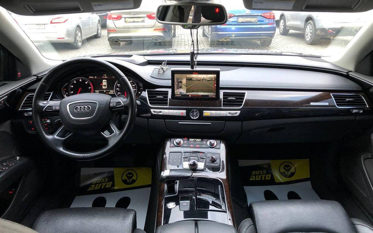 Audi A8 2014 фото №17