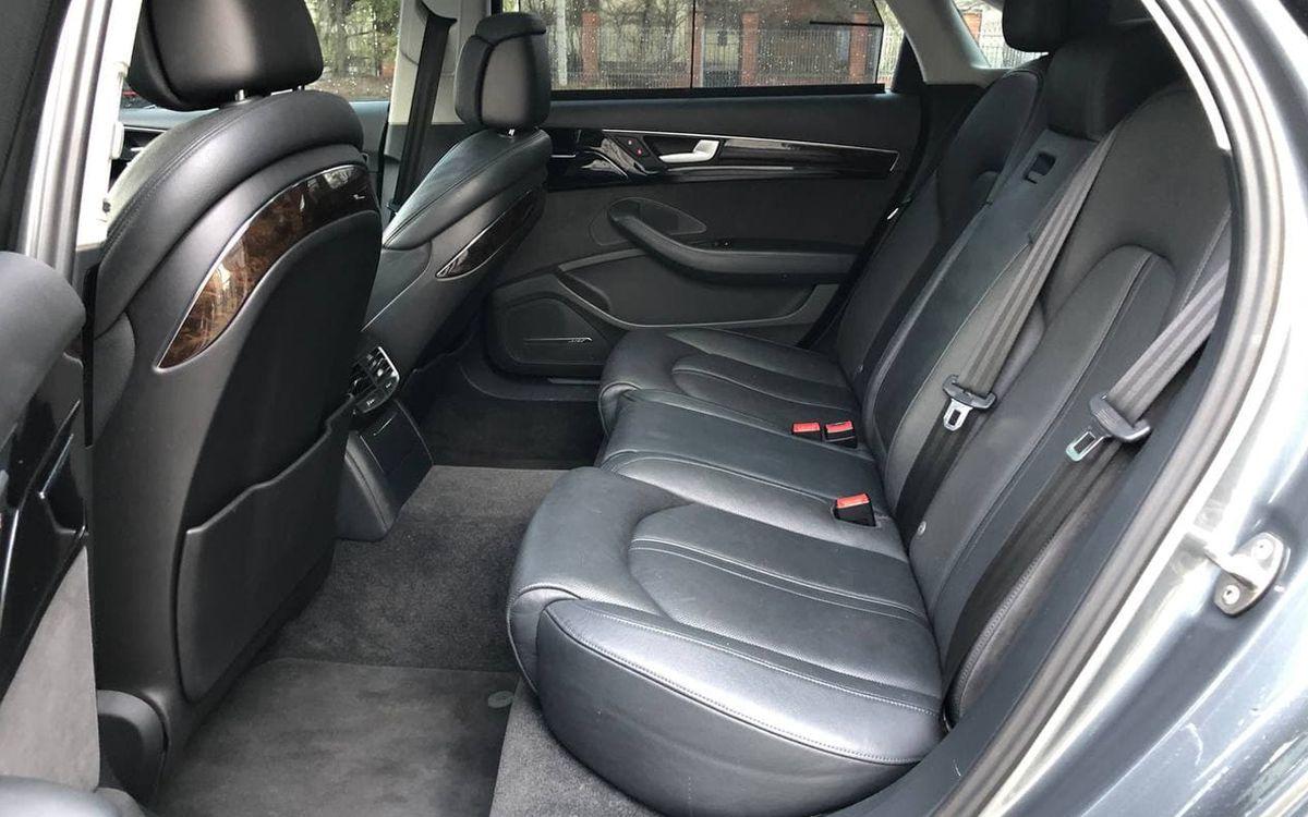 Audi A8 2014 фото №18