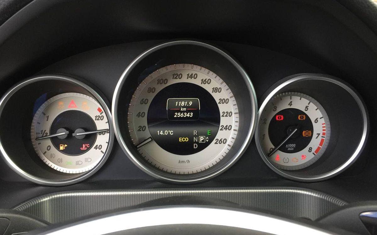 Mercedes-Benz E 200 2013 фото №15