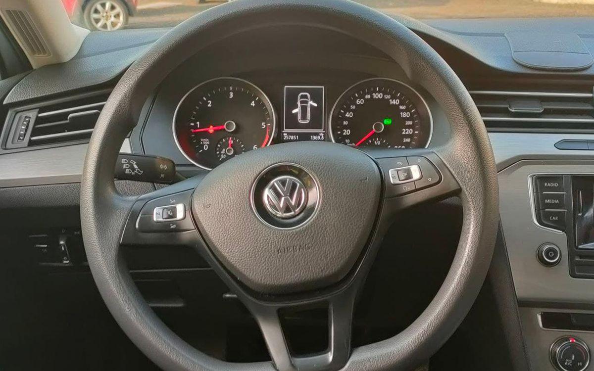 Volkswagen Passat 2016 фото №11