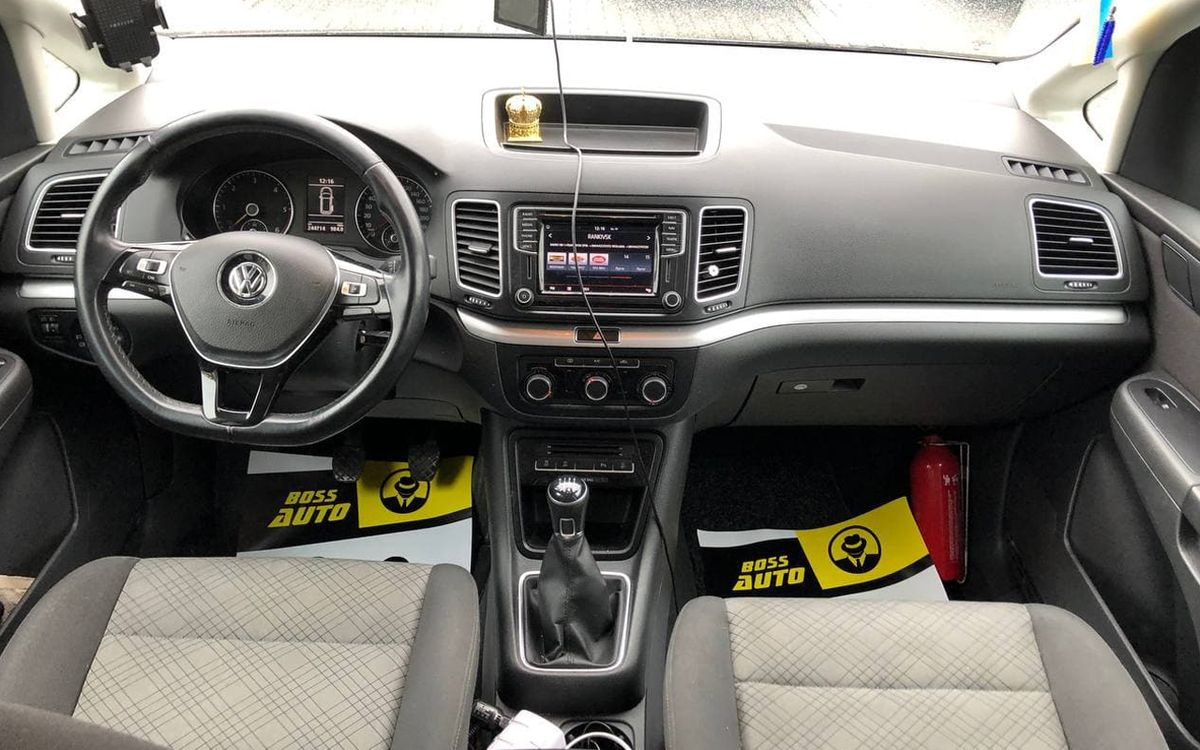 Volkswagen Sharan 2016 фото №13