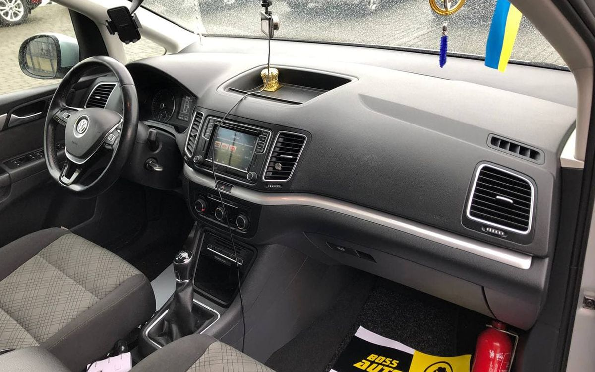 Volkswagen Sharan 2016 фото №14