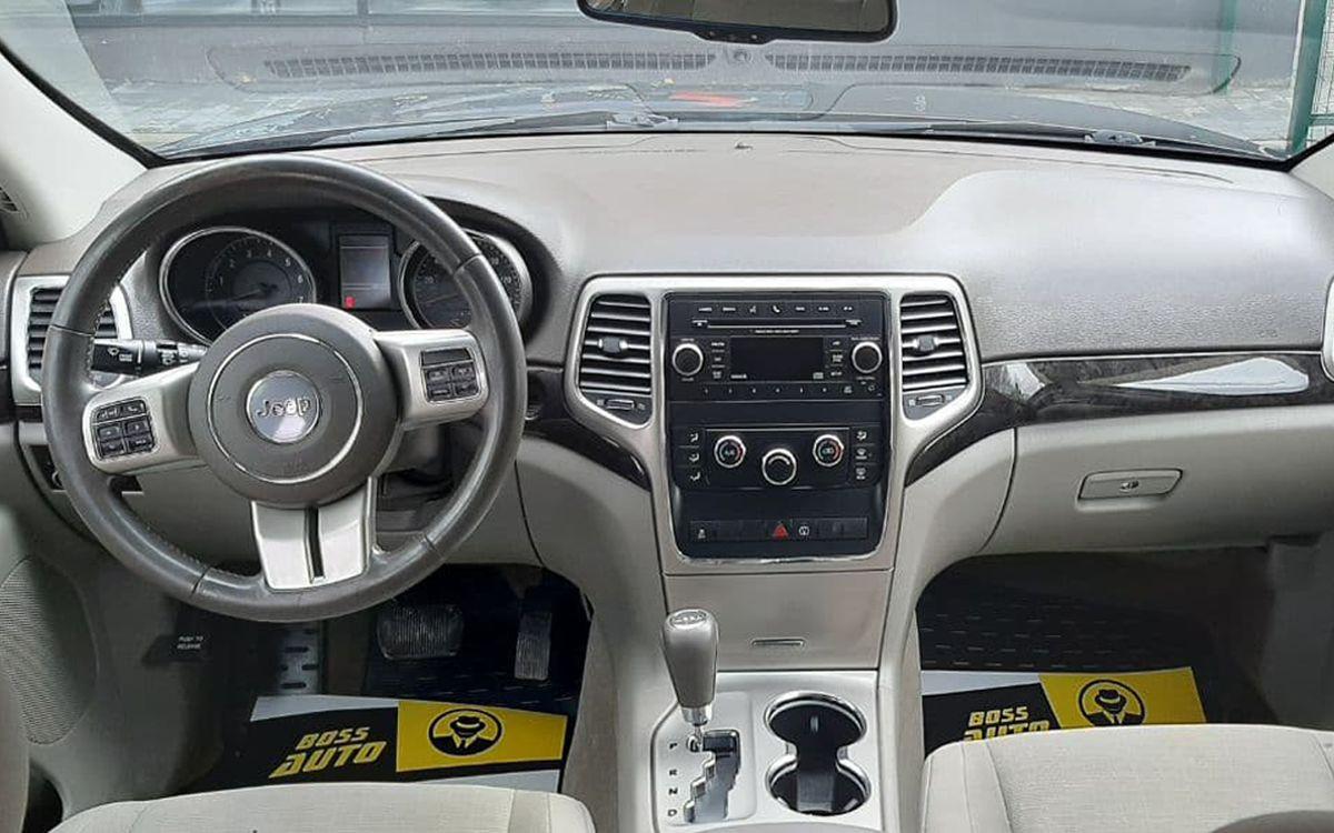Jeep Grand Cherokee 2012 фото №12
