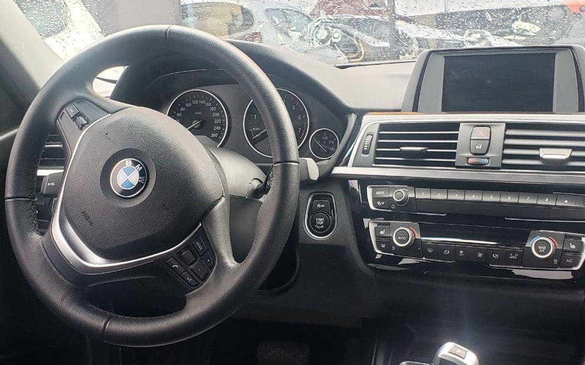 BMW 320 2018 фото №16