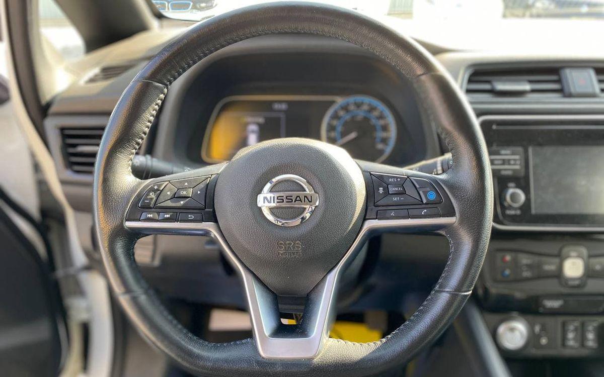 Nissan Leaf SL 2018 фото №15