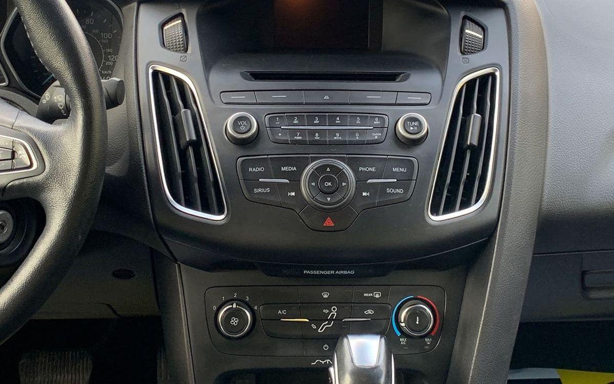 Ford Focus 2015 фото №9