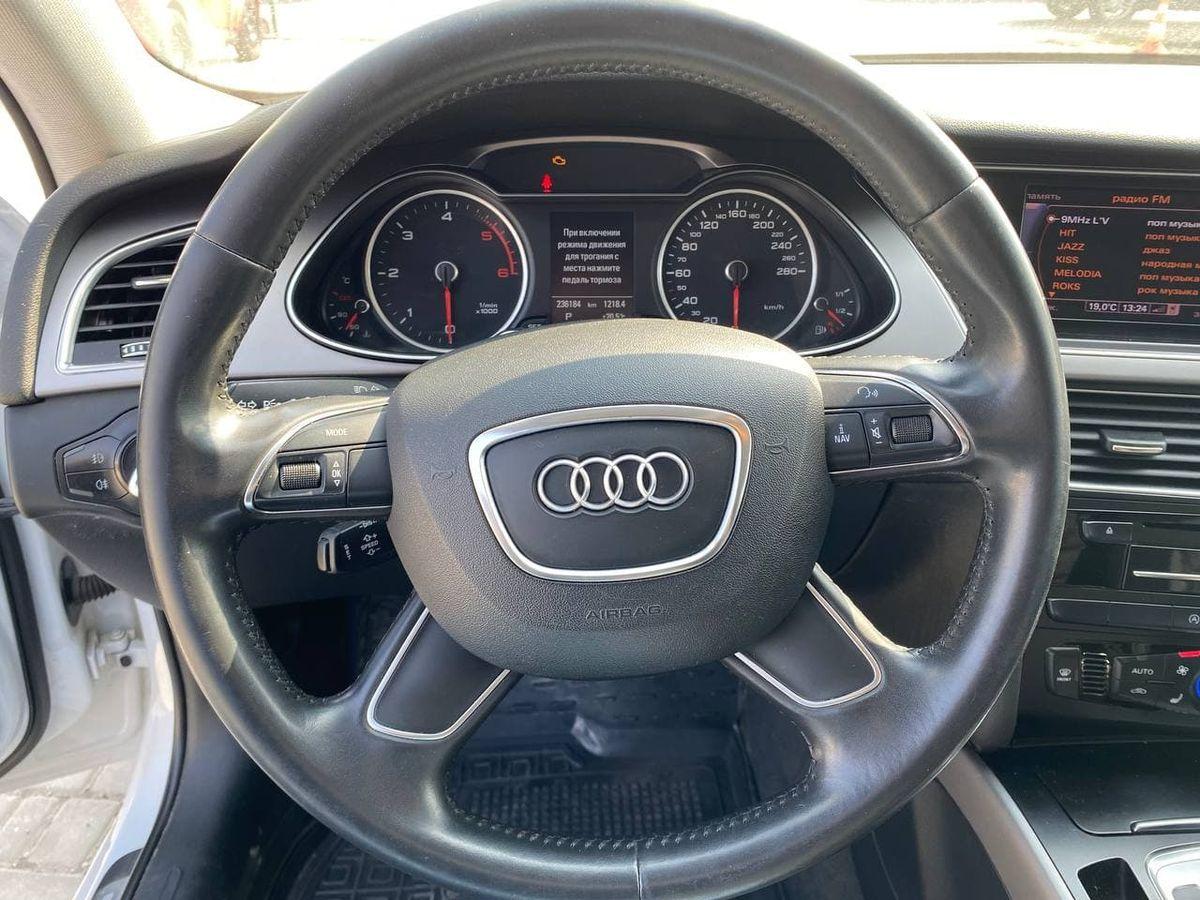Audi A4 2013 фото №13