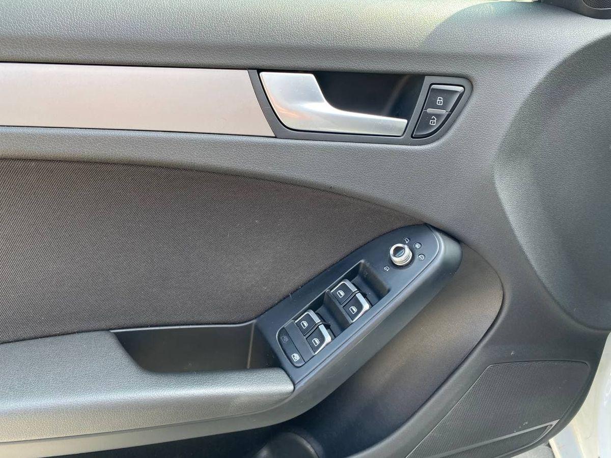 Audi A4 2013 фото №16