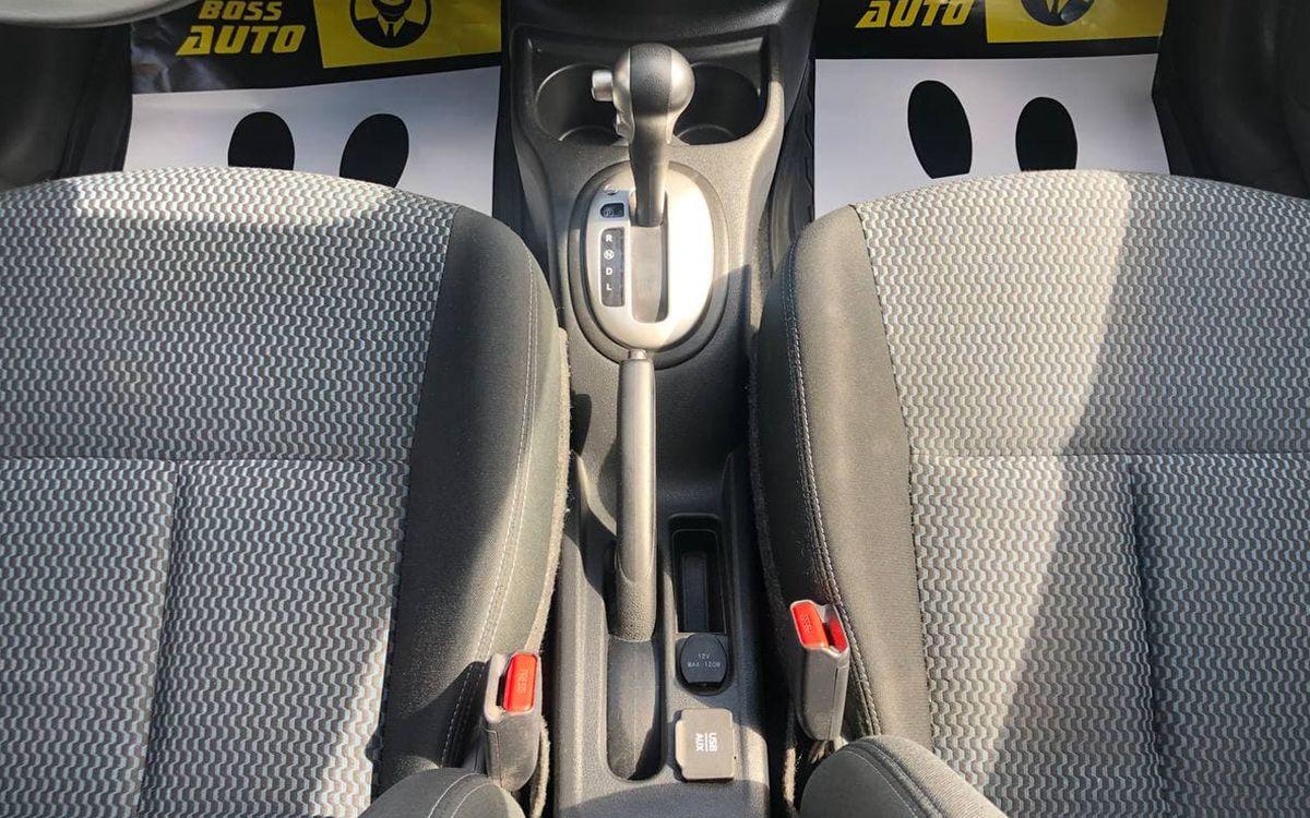 Nissan Versa 2016 фото №15