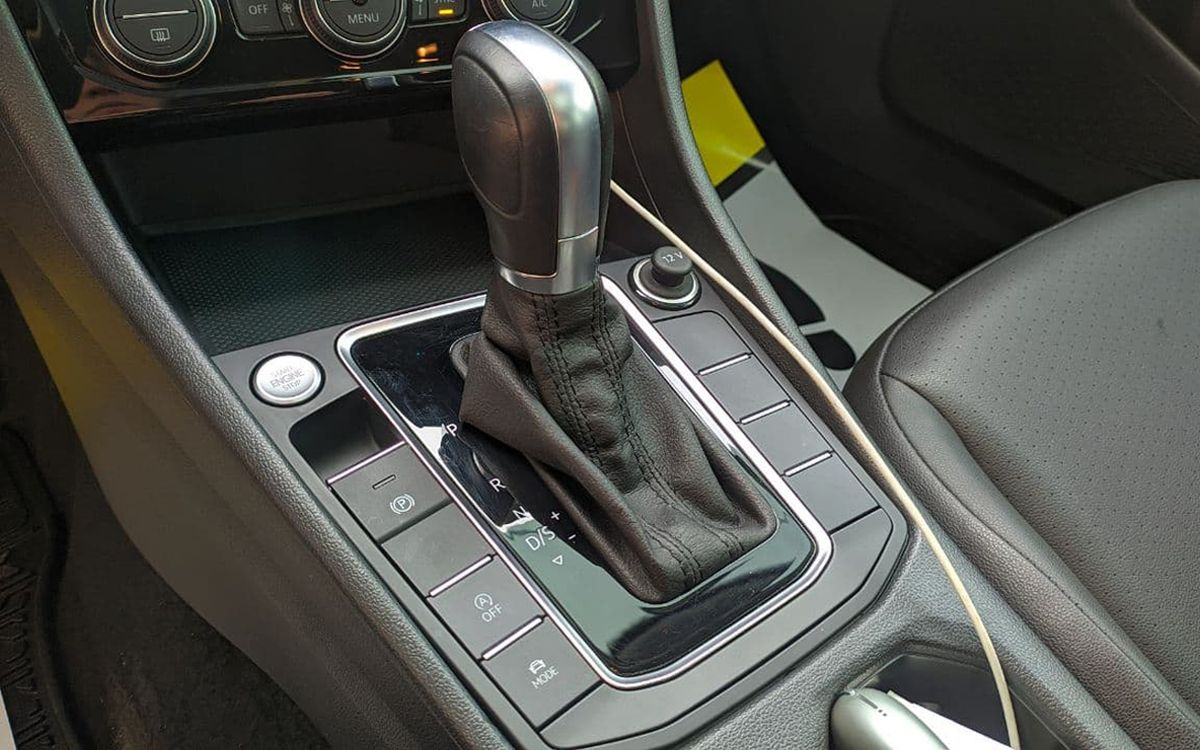 Volkswagen Jetta SEL 2018 фото №16