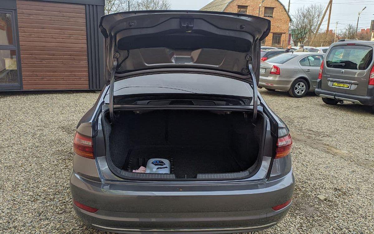 Volkswagen Jetta SEL 2018 фото №19