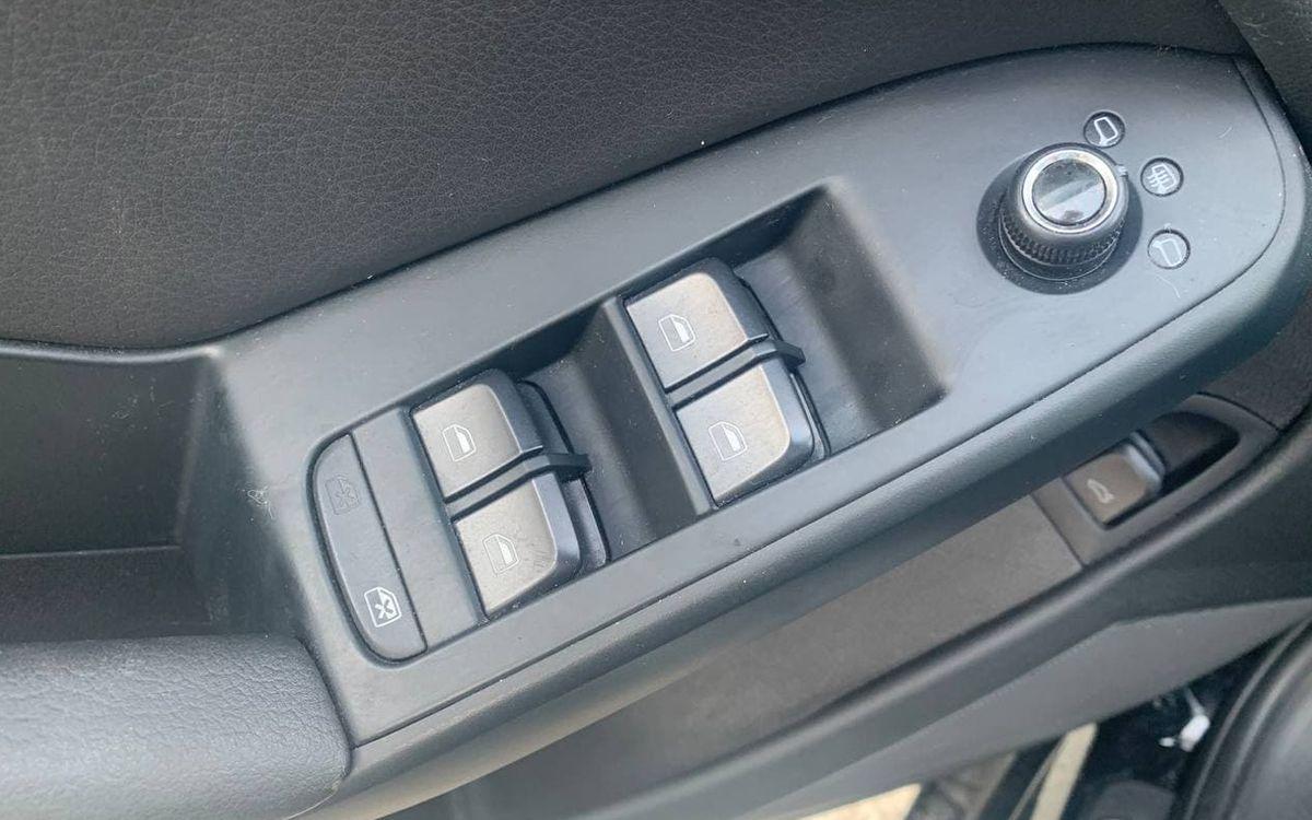 Audi A4 2010 фото №10