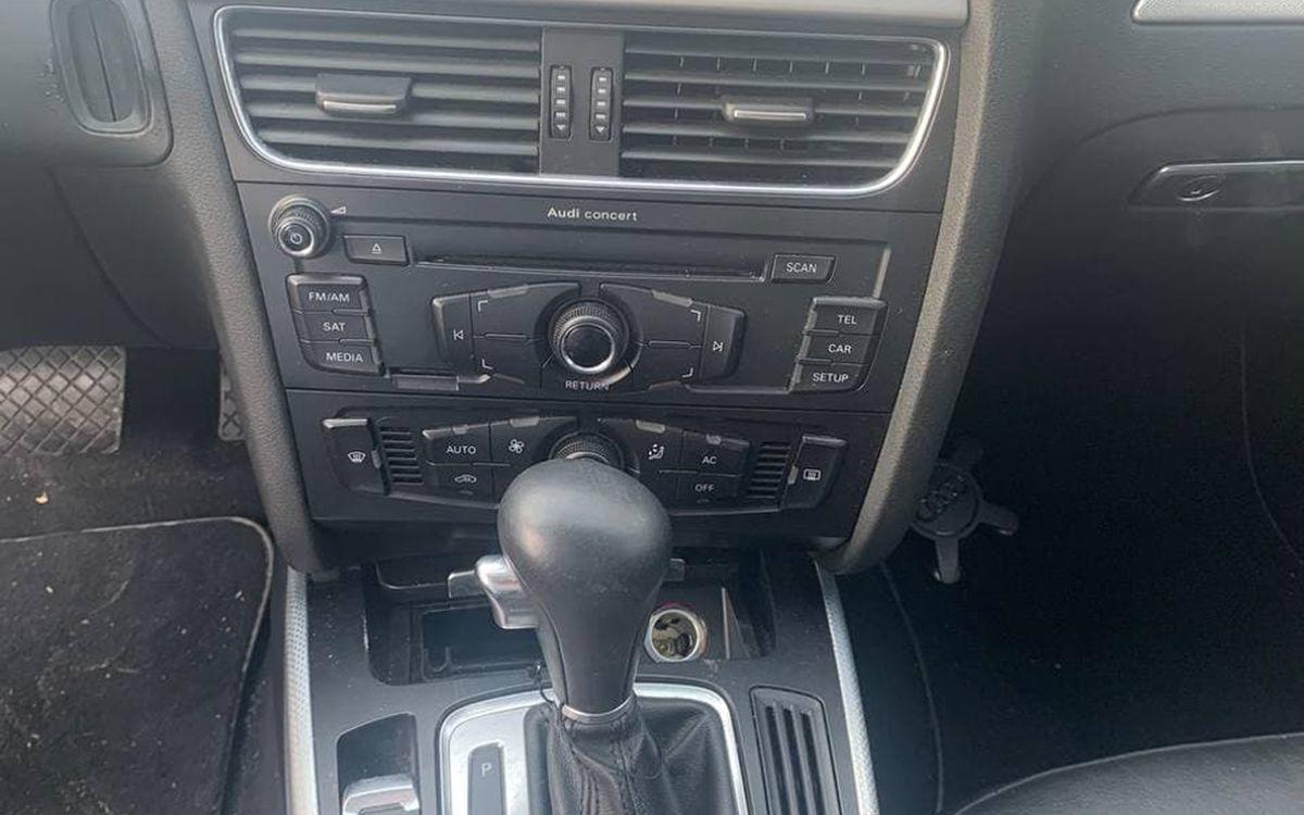 Audi A4 2010 фото №12