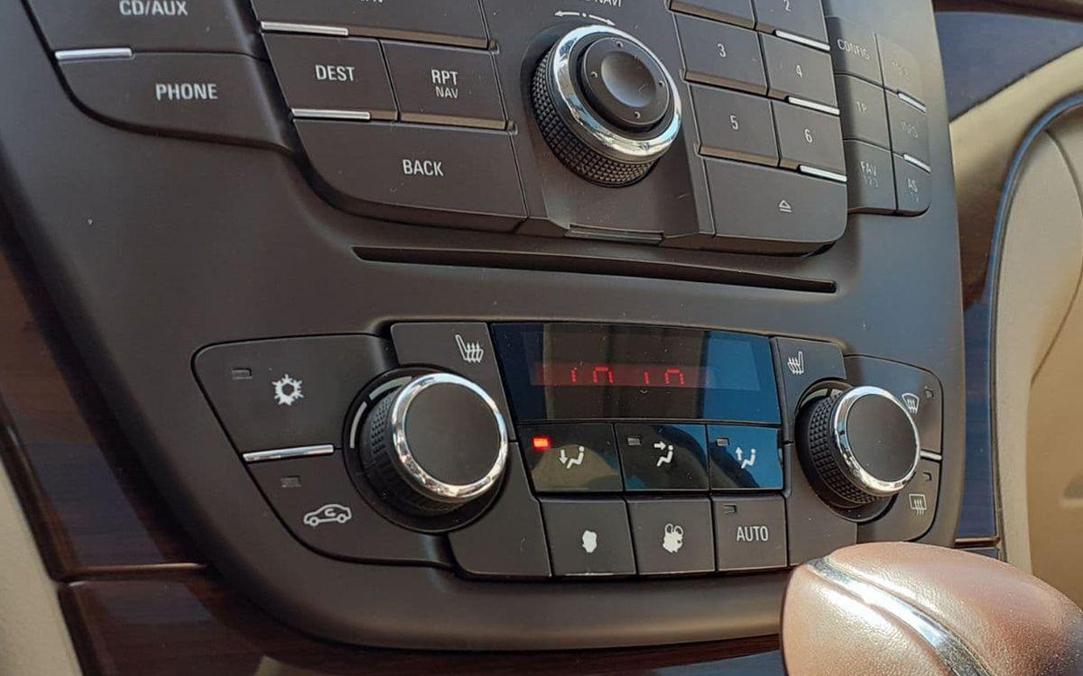 Opel Insignia 2010 фото №17