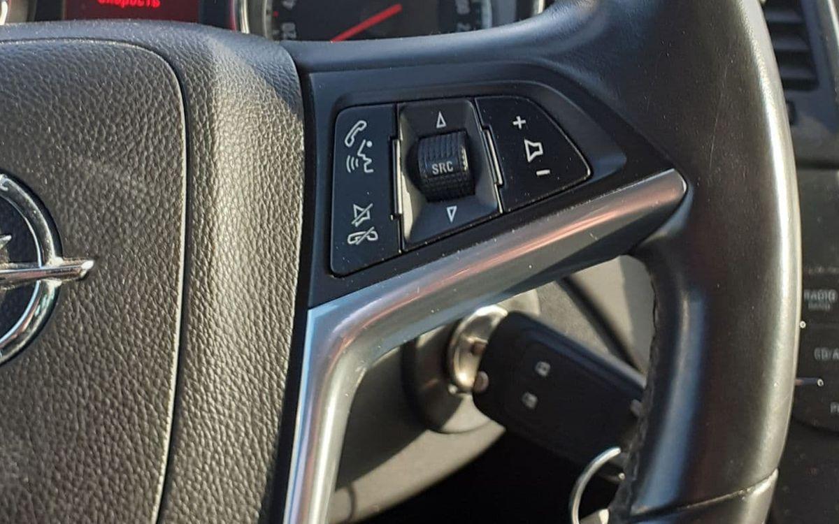 Opel Insignia 2010 фото №16