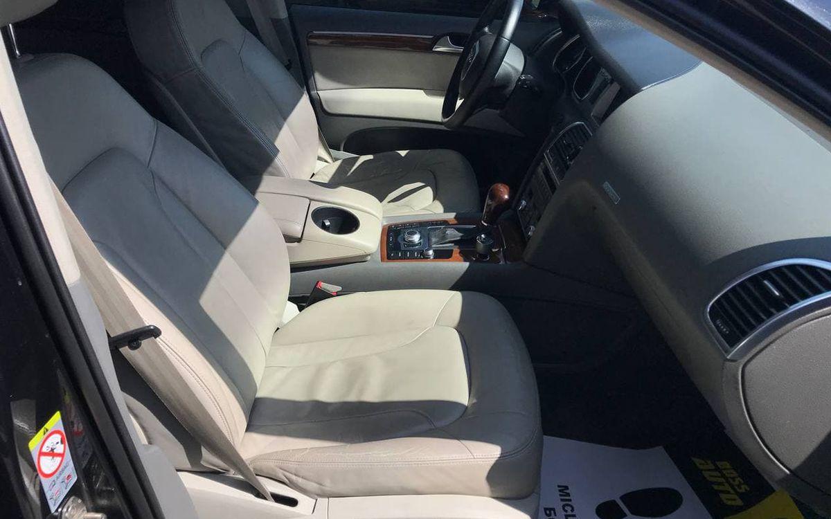 Audi Q7 2009 фото №16