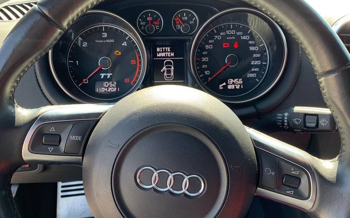 Audi TT 2008 фото №12