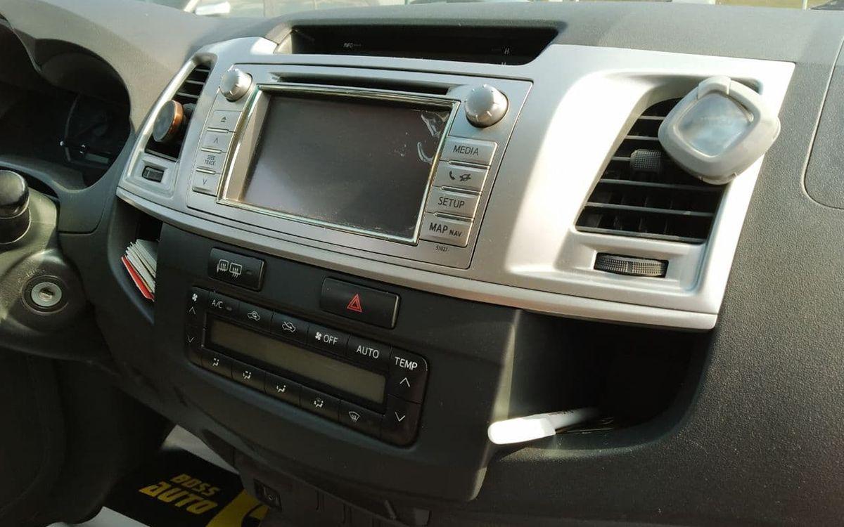 Toyota Hilux 2013 фото №16