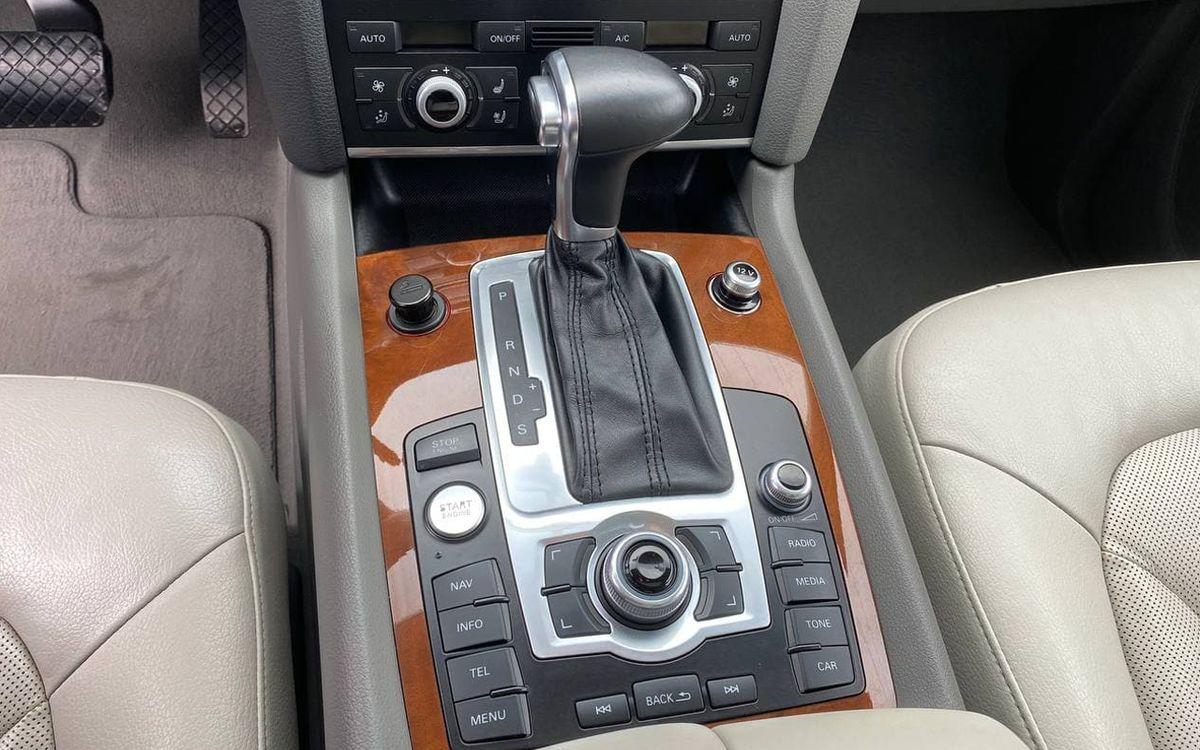 Audi Q7 2013 фото №13