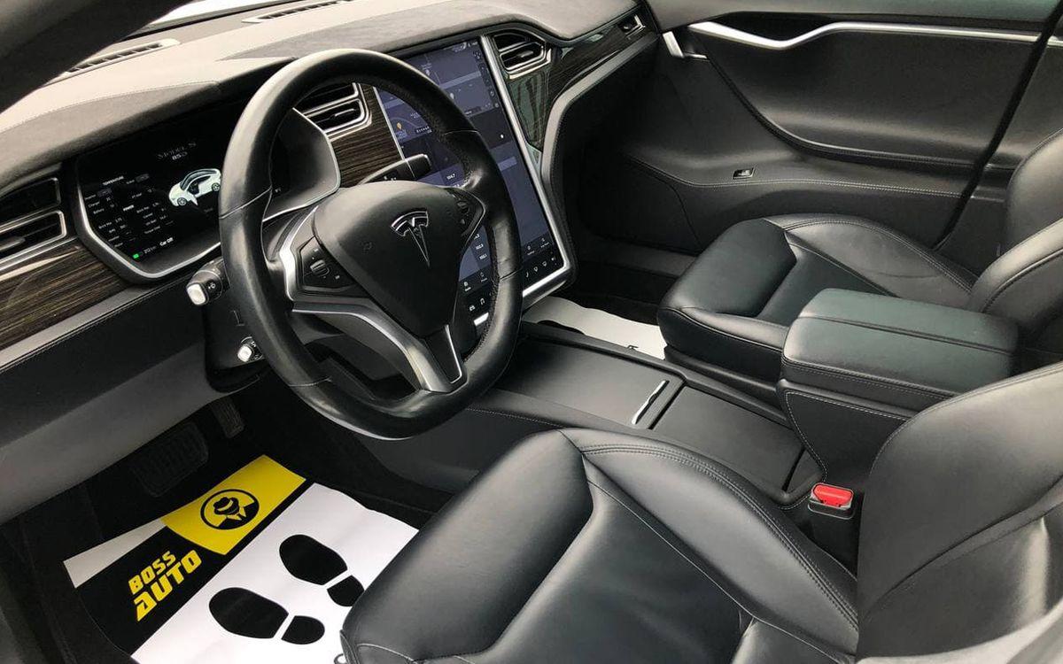 Tesla Model S 85D 2015 фото №15