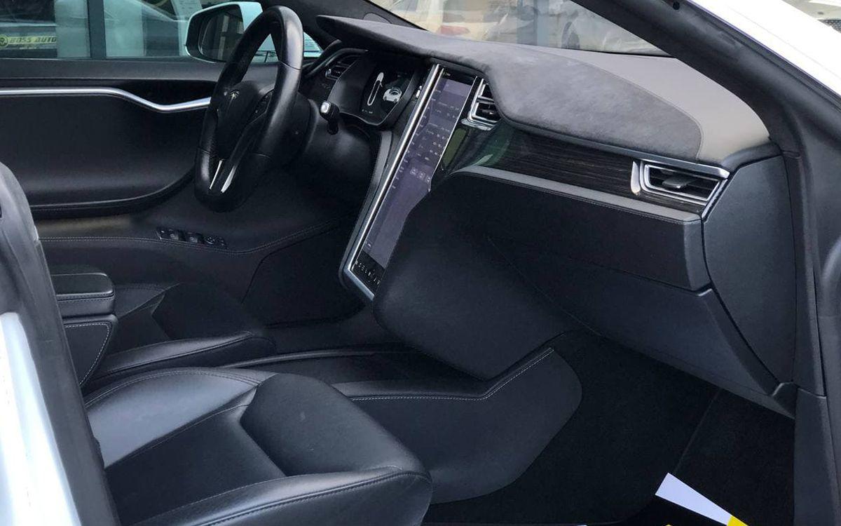 Tesla Model S 85D 2015 фото №17
