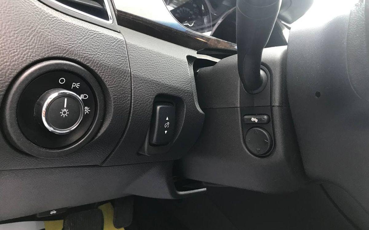 Ford Taurus Limited 2017 фото №15