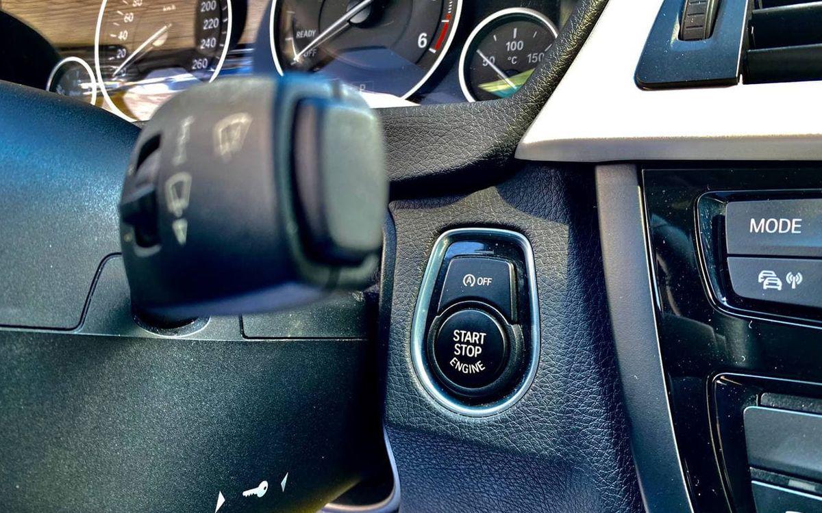 BMW 320 Xdrive 2015 фото №18