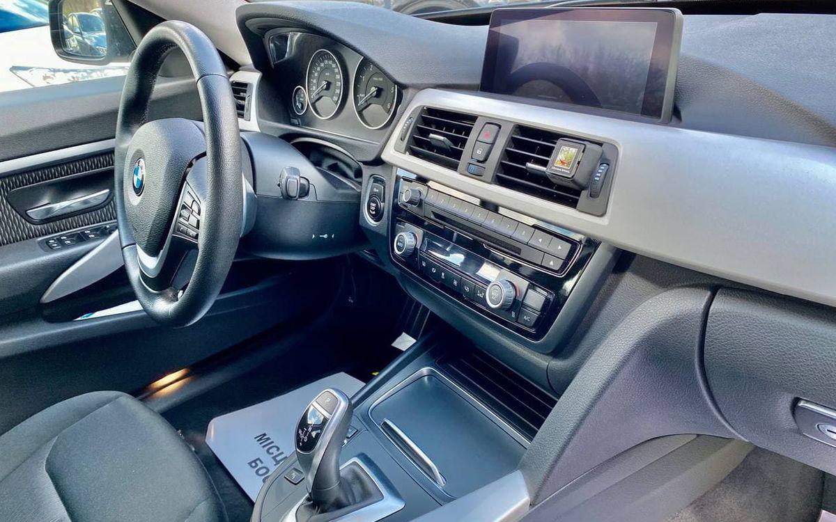 BMW 320 Xdrive 2015 фото №19