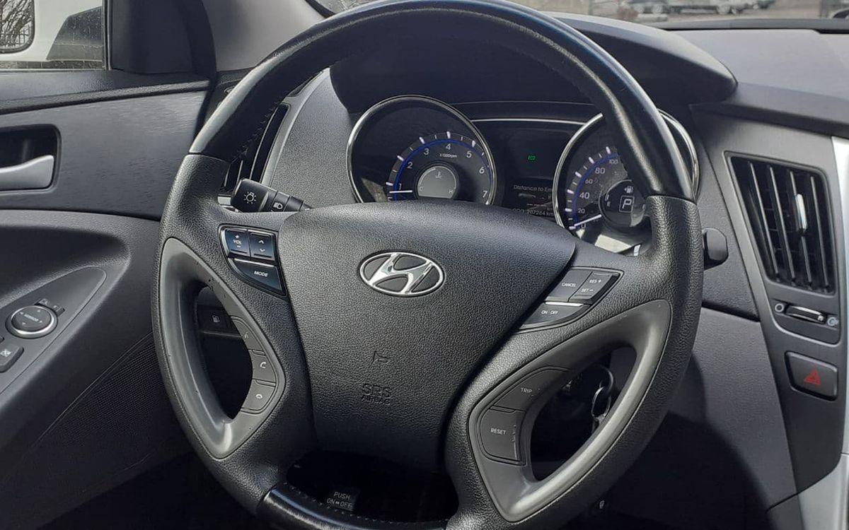 Hyundai Sonata 2013 фото №14