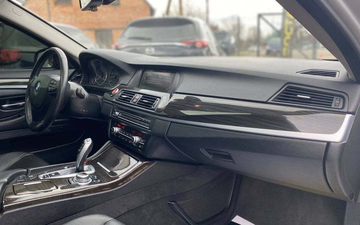 BMW 528 2012 фото №16