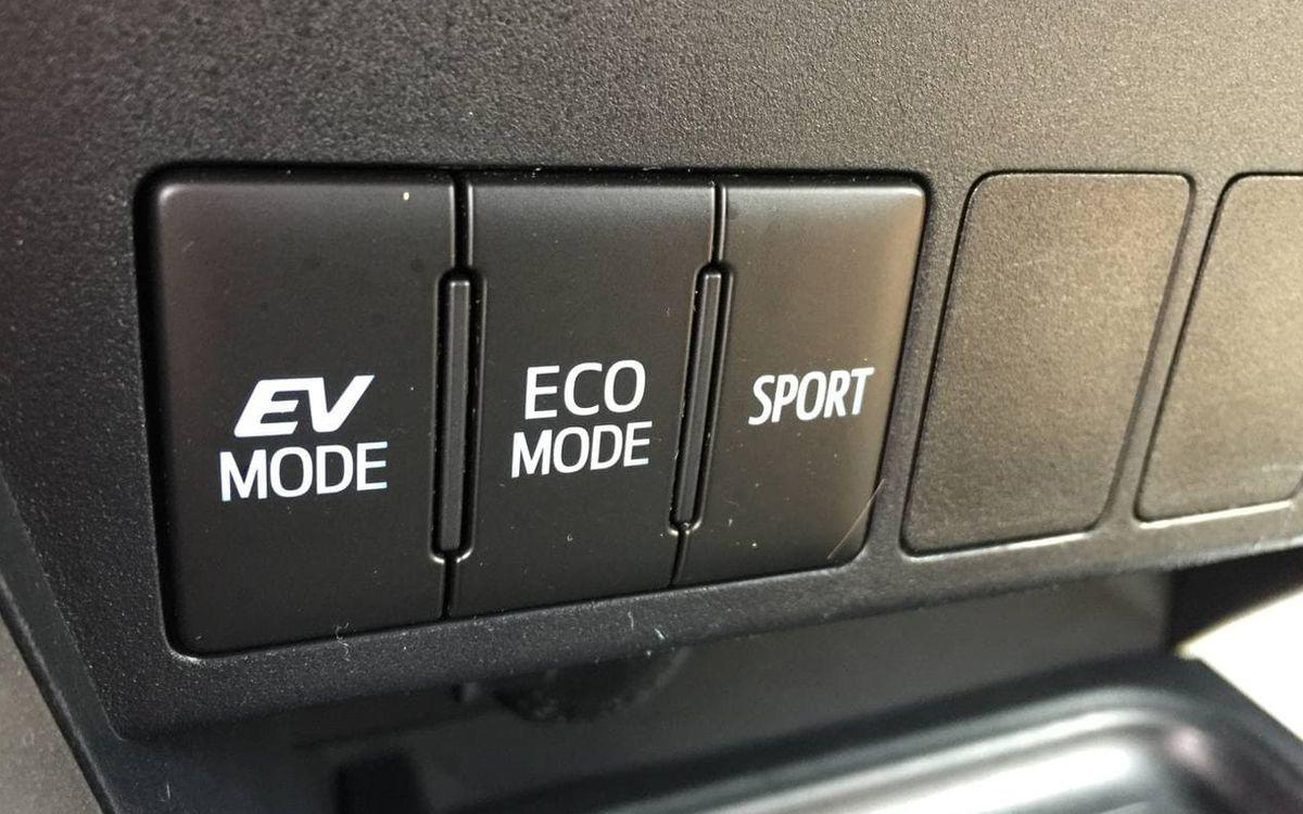 Toyota RAV4 2017 фото №17