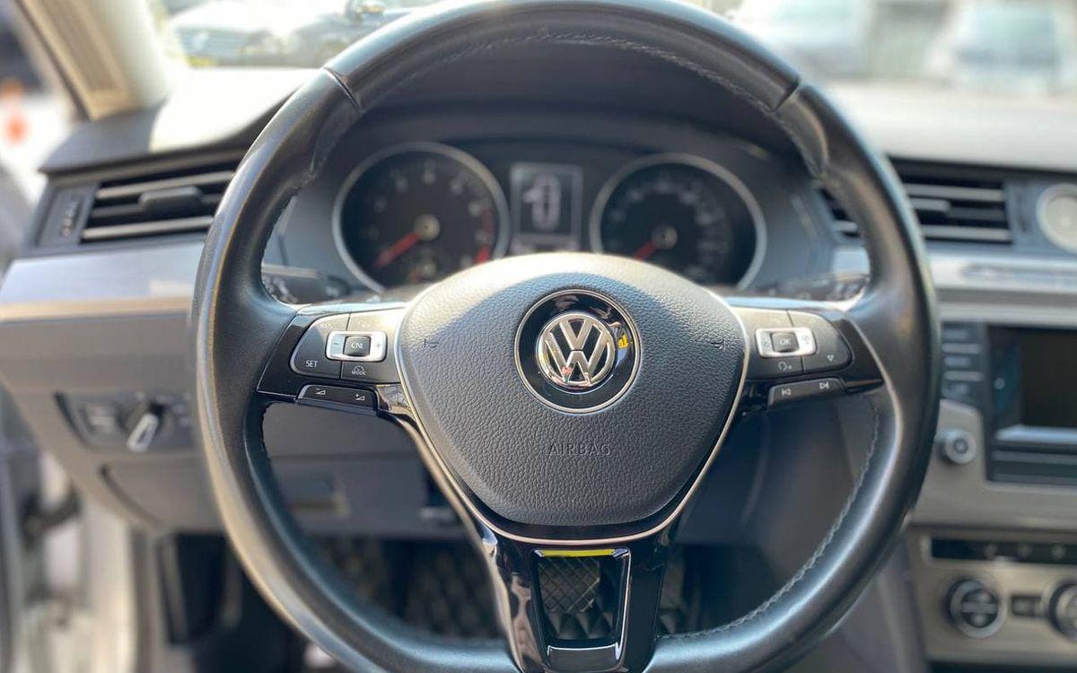 Volkswagen Passat 2017 фото №16