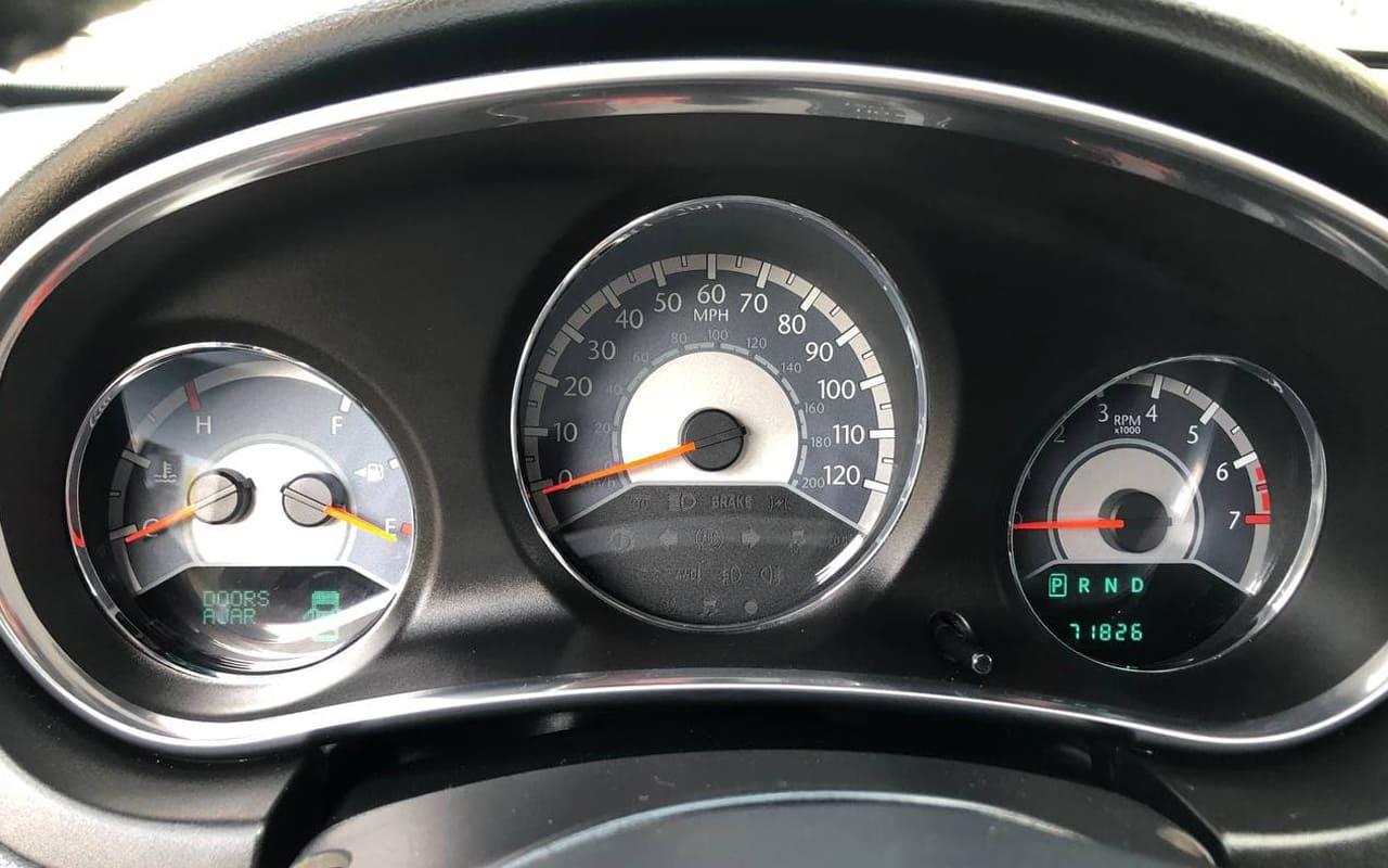 Chrysler 200 2012 фото №14