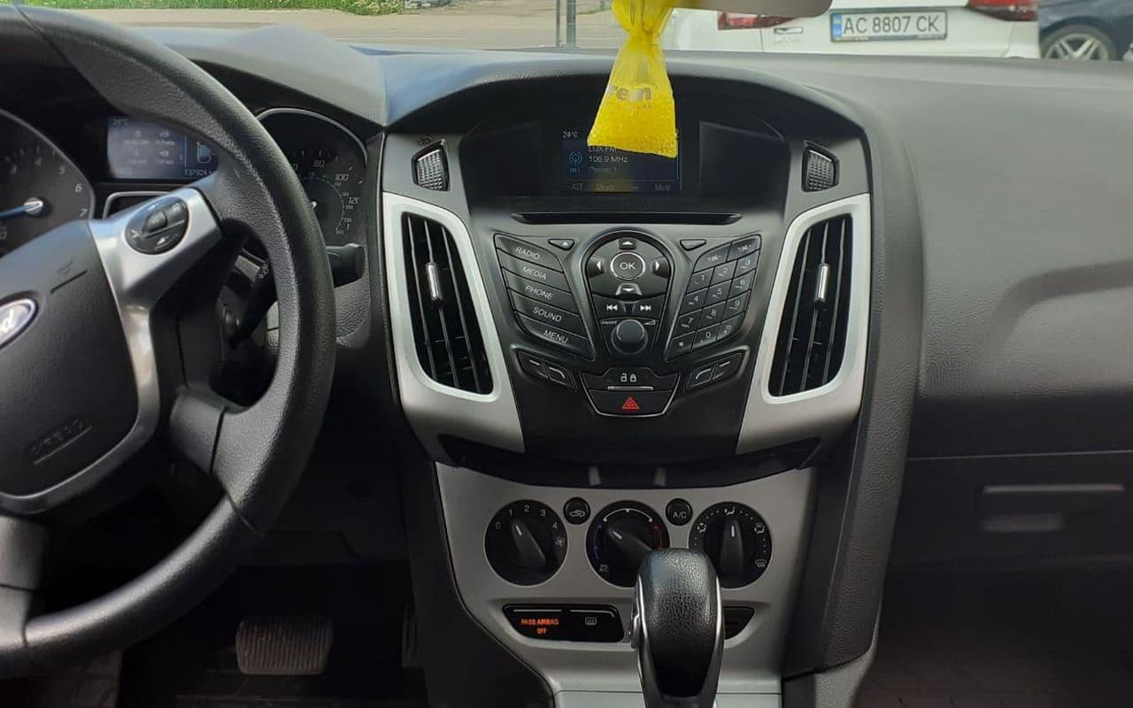 Ford Focus SE 2014 фото №7