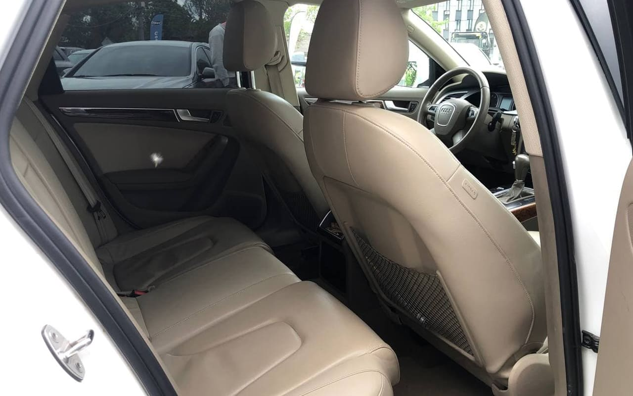 Audi A4 Premium 2010 фото №18