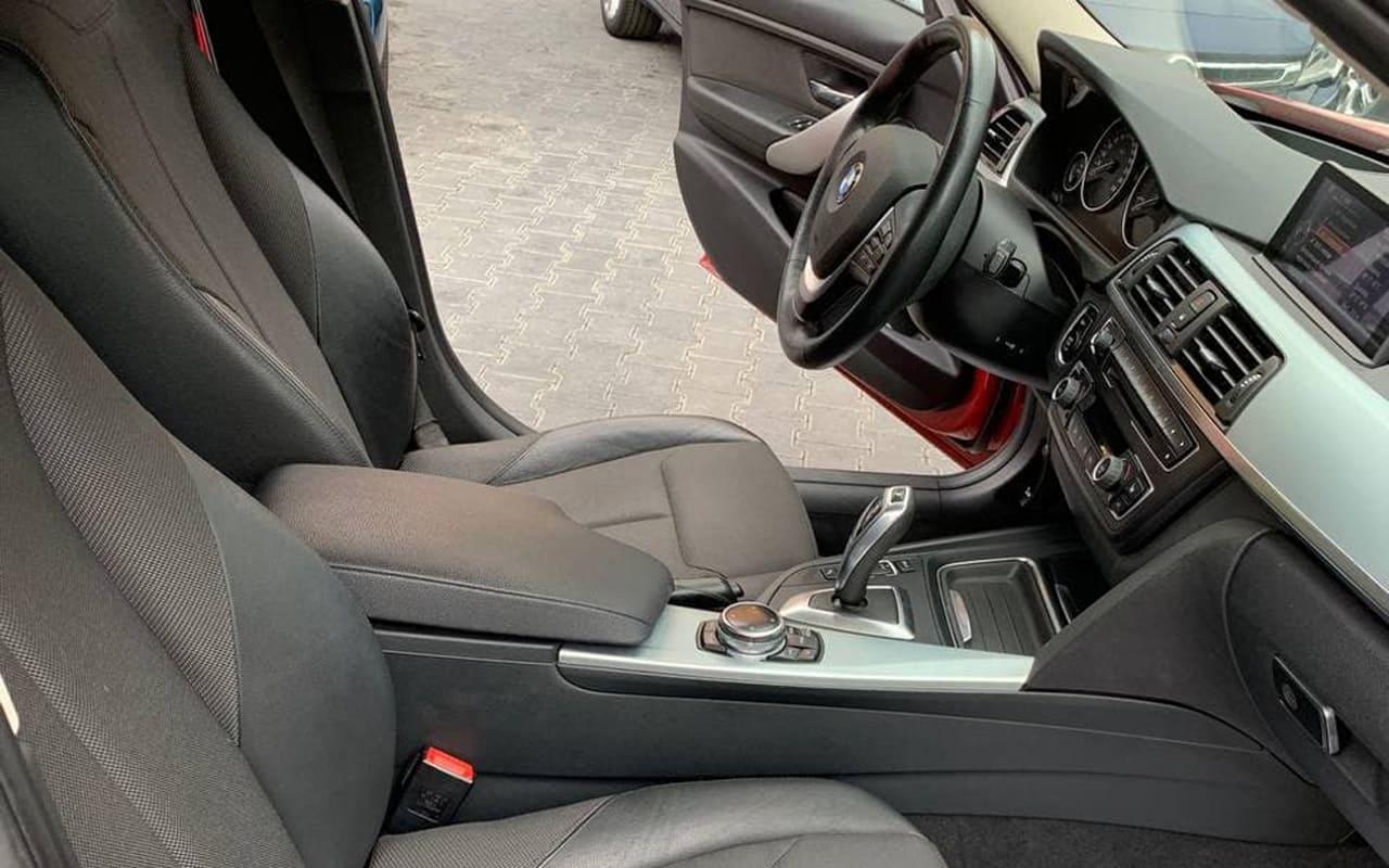 BMW 330 2014 фото №18