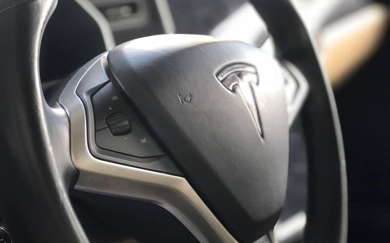Tesla Model S P85D 2015 фото №13