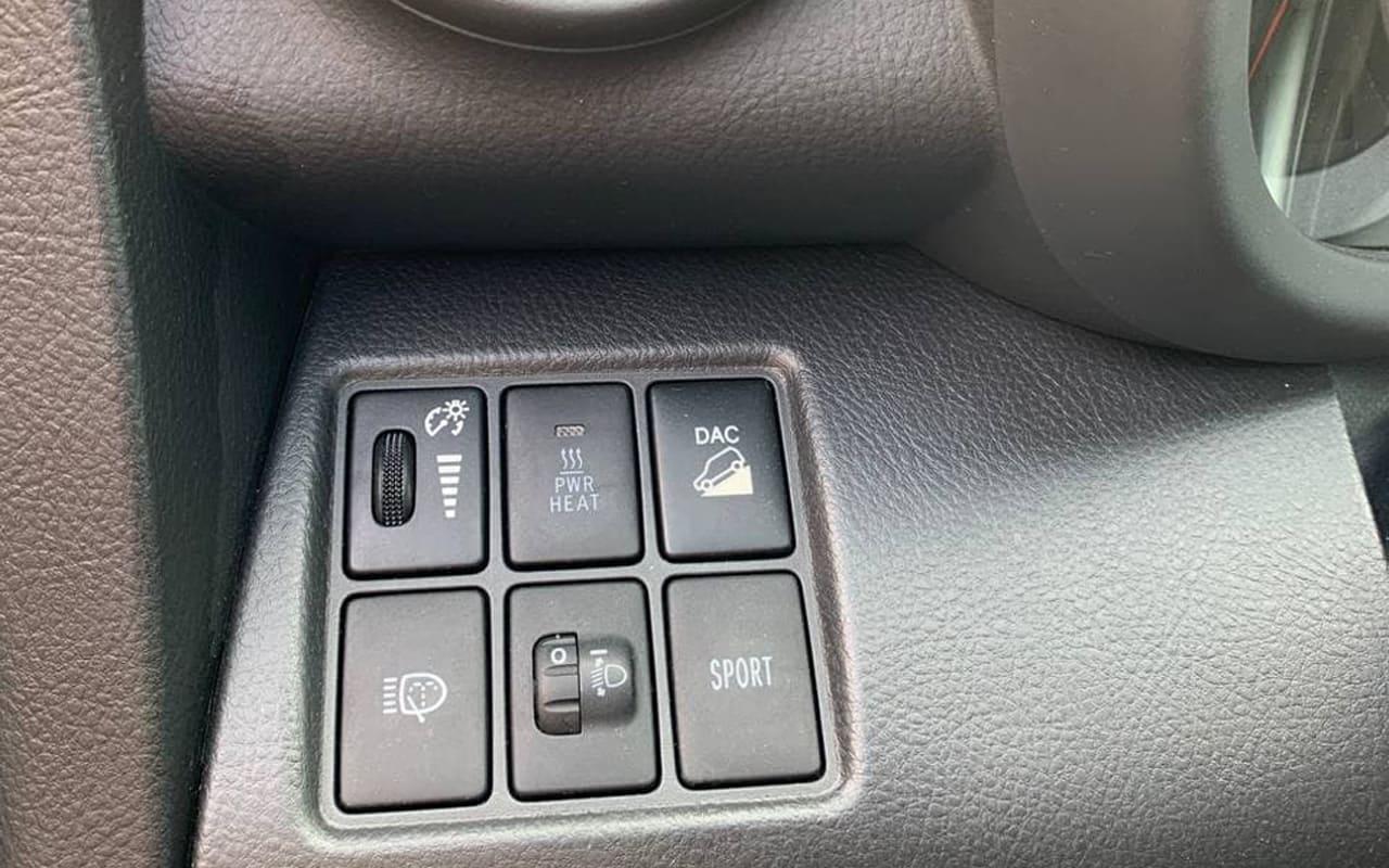 Toyota RAV4 2010 фото №14